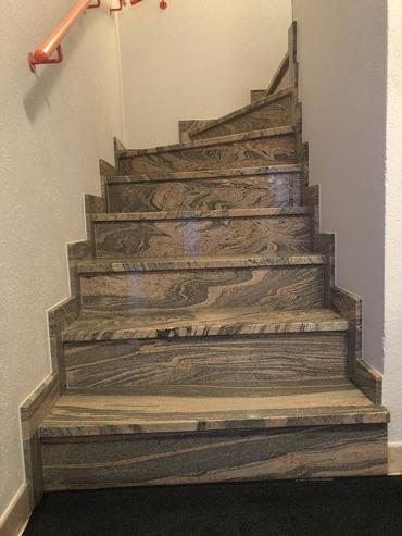 Escalier en granit intérieur